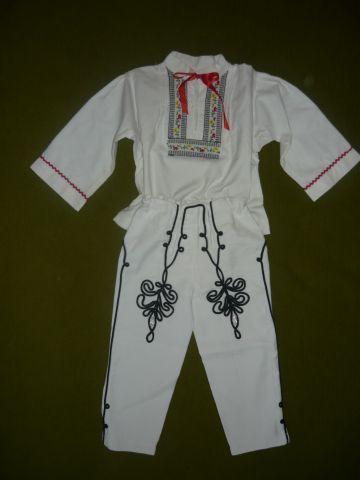Detská krojová košeľa a šnúrkované nohavice