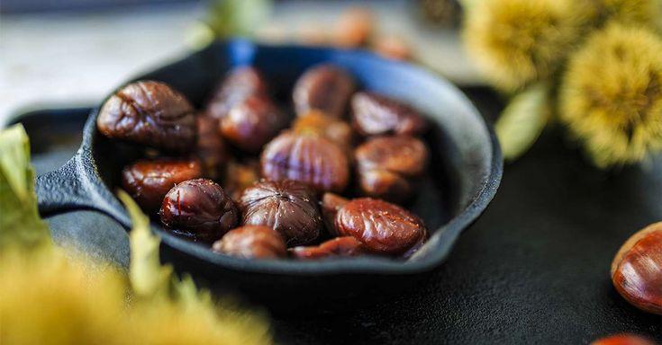 Die leckeren Esskastanien haben wieder Saison! Wie ihr Maronen am besten schälen könnt, um leckere Gerichte daraus zu kochen, das erfahrt ihr hier.