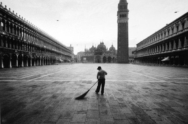 Gianni Berengo Gardin, Venezia 1960 Spazzino
