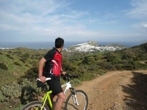 Cycling through idyllic sceneries in Greece