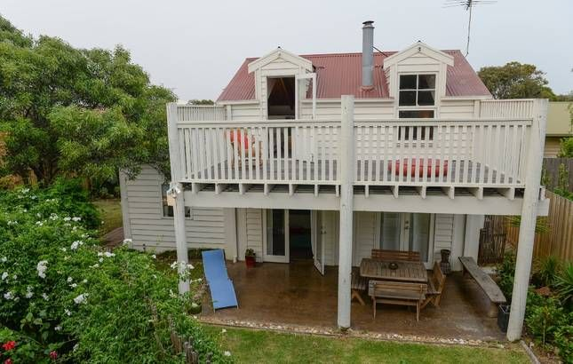 The surfers cottage @ Southern Exposure Surfers Palace | Torquay Surfcoast, VIC | Accommodation #surftrip #cottage