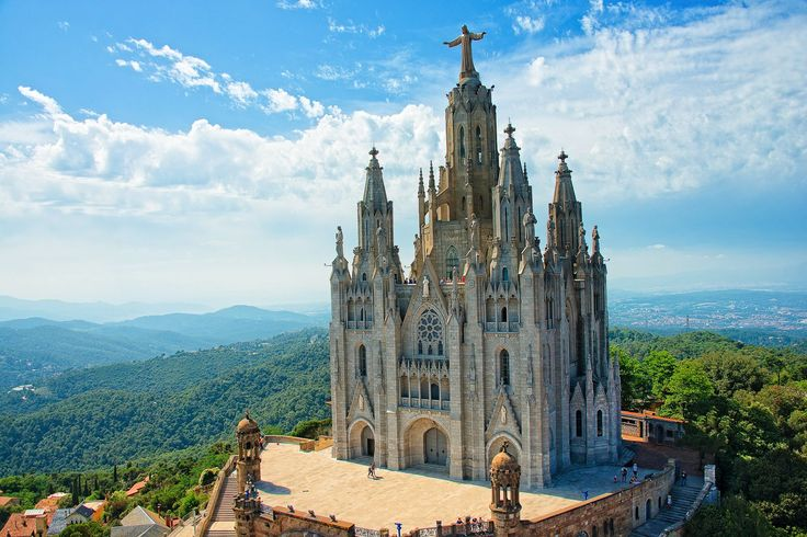 22 Sights You Have To See When You Visit Barcelona, Spain... - Hand Luggage Only - Travel, Food & Photography Blog