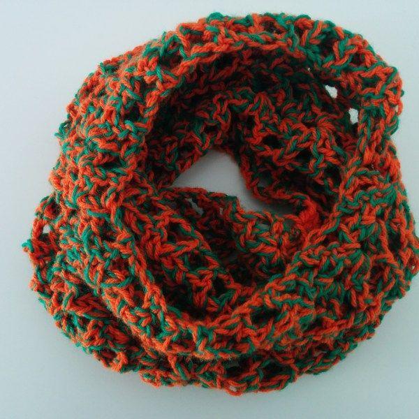 Χειροποίητος πλεκτός γιακάς πορτοκαλί με πράσινο