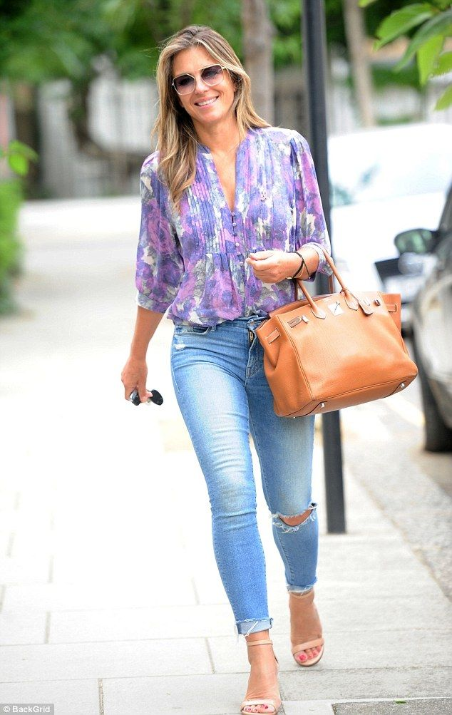 b0dc6b4b1b6 Elizabeth Hurley cuts a stylish figure in blouse and skinny jeans ...