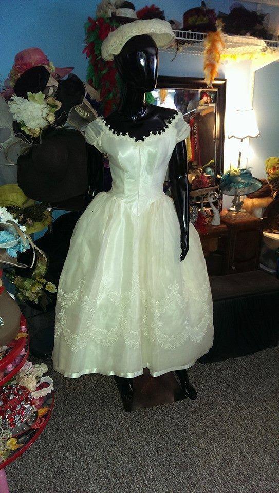 1940 LIVRAISON GRATUITE ! Robe de mariée de Priscilla de Boston belle et RARE 1940
