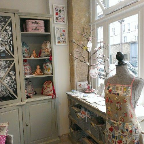 17 best images about la boutique des brodeuses parisiennes on pinterest the o 39 jays paris and blog. Black Bedroom Furniture Sets. Home Design Ideas