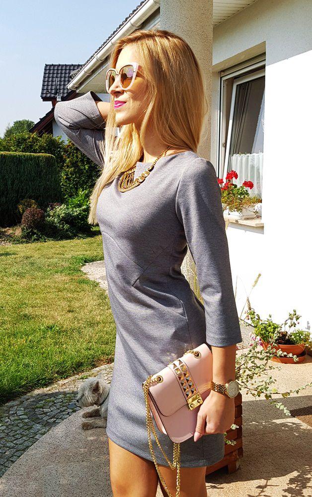 Elegancka szara sukienka z dresowej tkaniny.  145 zł