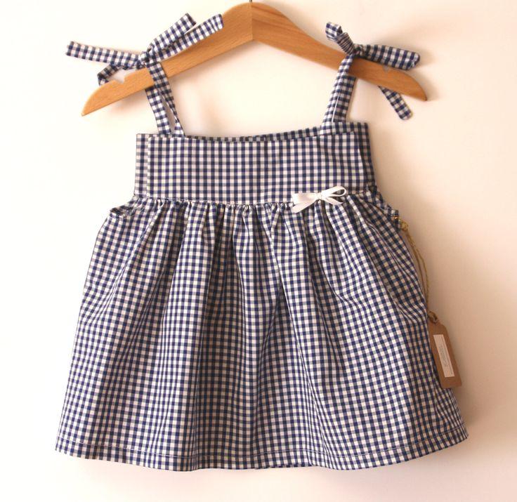 Vestido vichy azul marino tirantes fruncido,vestido niña,blusa niña,vestido marinero,vestido verano,vestido azul,blusa vichy,blusa marinera de DonaPitoPiturra en Etsy