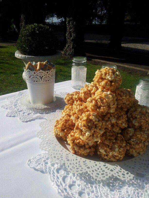 Moenae wedding dessert table