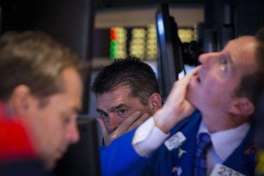 Wall Street fechou em queda com petróleo recuando - http://po.st/2gGpg1  #Bolsa-de-Valores - #Apple, #Dow-Jones, #Wall-Street