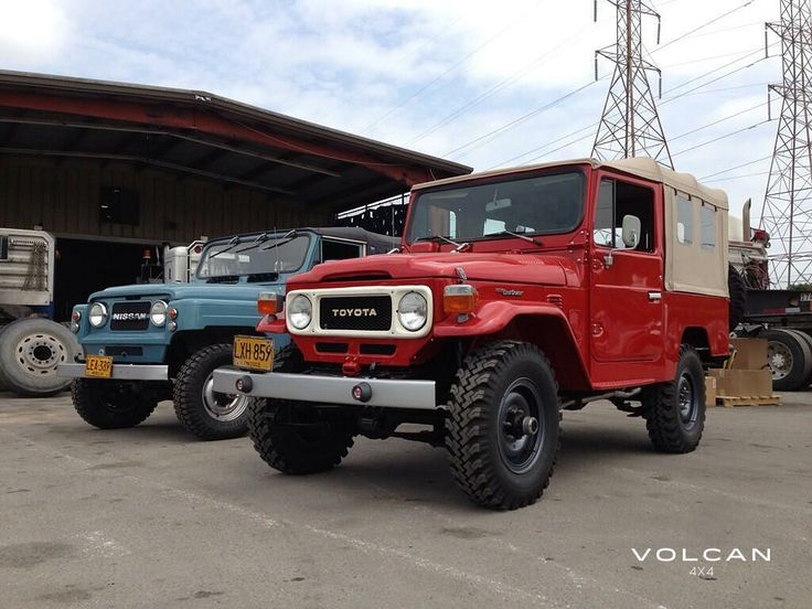 'Rosalina' our '81 FJ43 Land Cruiser and 'Indigo' our '79 Nissan Patrol arrive in Tampa, FL! www.volcan4x4.com