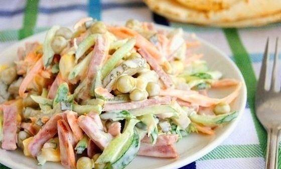 Очень простой и вкусный салатик