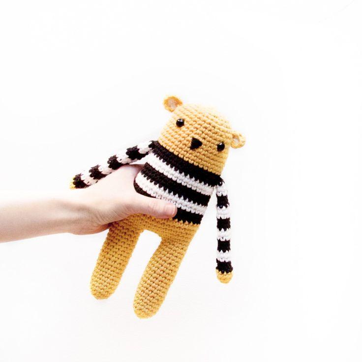 joli ours amigurimi crochet patron gratuit français ( free pattern in french)