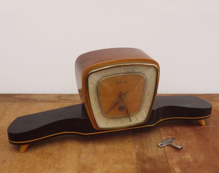 Belcanto Mantel Clock Design Art Deco, German systeme Hettich Circa 1950 . Superbe Horloge de Cheminée, de Table  à remonter Belcanto de la boutique LaMachineaBrocantes sur Etsy