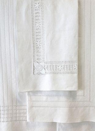 ILINKA Collection Summer Whites Table Linen