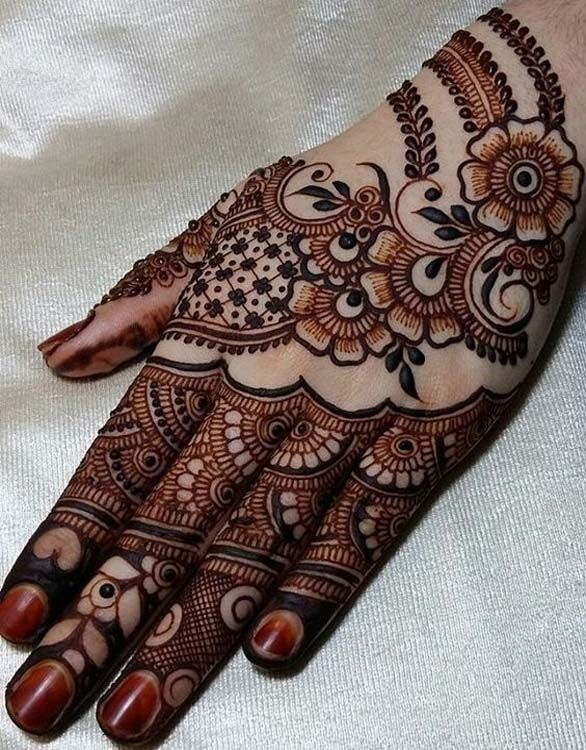 This is the new version of one of my very old mehndi design
