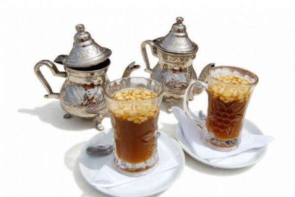 Чай с мятой и кедровыми орешками- https://kareliyanews.ru/chaj-s-myatoj-i-kedrovymi-oreshkami/