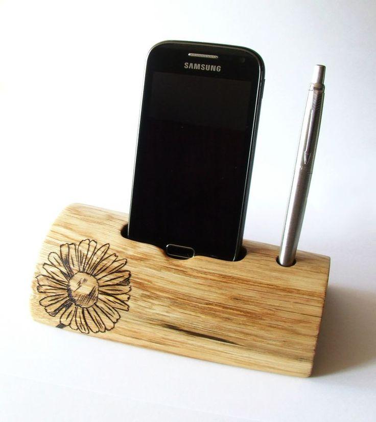 "smartphone stand ""Daisy"" designed by Derva Woodcraft"