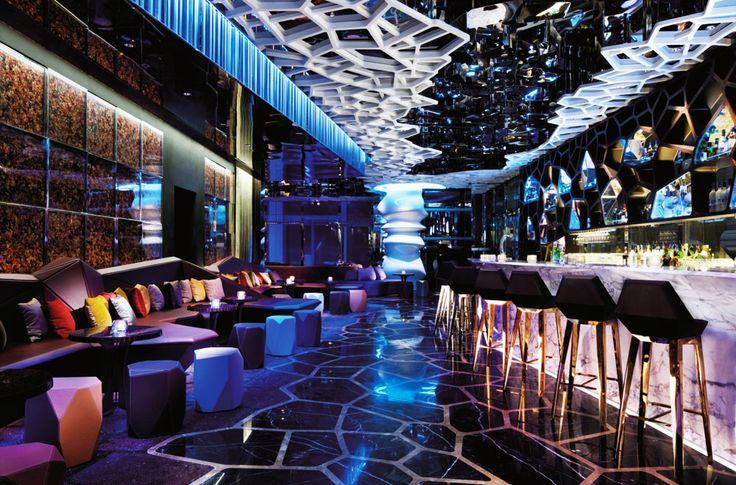 Hong Kong roof top bars - Ozone Sky Bar