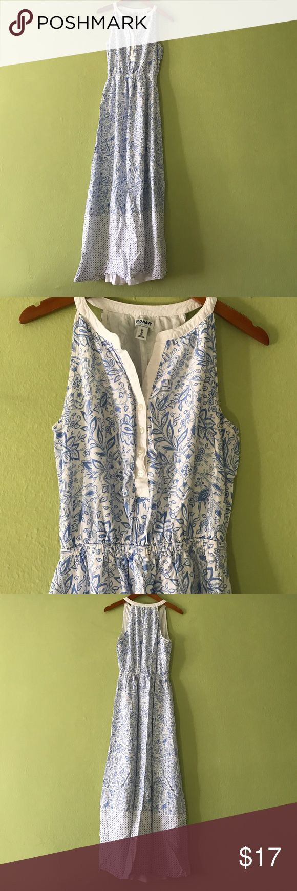 🌎Fabulous Old Navy Maxi Dress This Beautiful Maxi dress is from Old Navy Brand and in fair Condition with normal wear. No Trade, but please fee free to use offer button. Old Navy Dresses Maxi