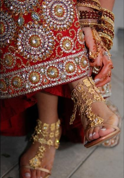 Indian wedding shoes www.weddingsonline.in