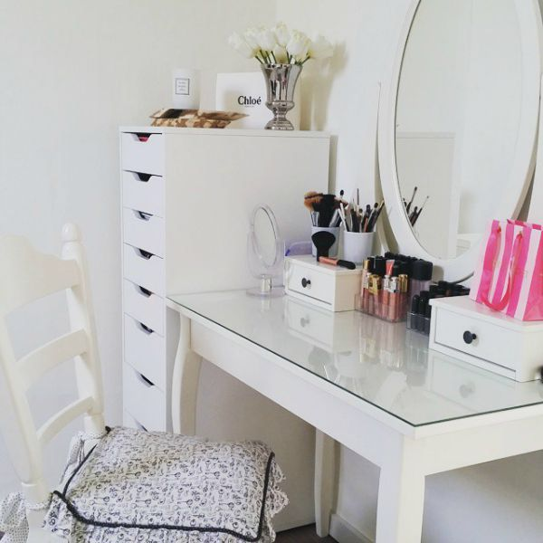 25 beste idee n over make up tafels op pinterest make up bureau kaptafels en ijdelheid bureau. Black Bedroom Furniture Sets. Home Design Ideas