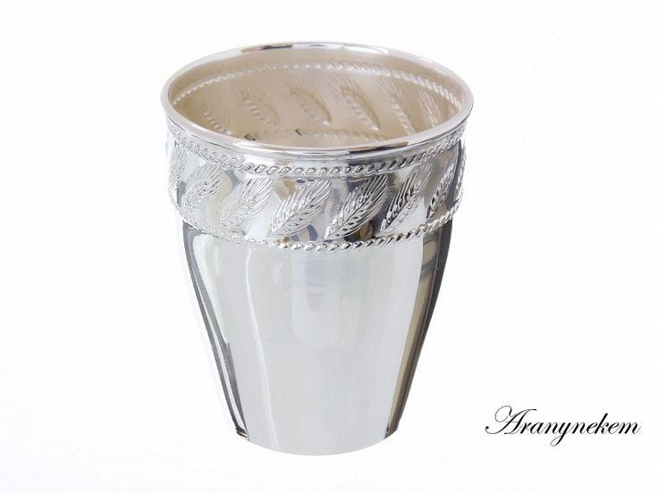 Búzakalász motívumos ezüst keresztelő pohár