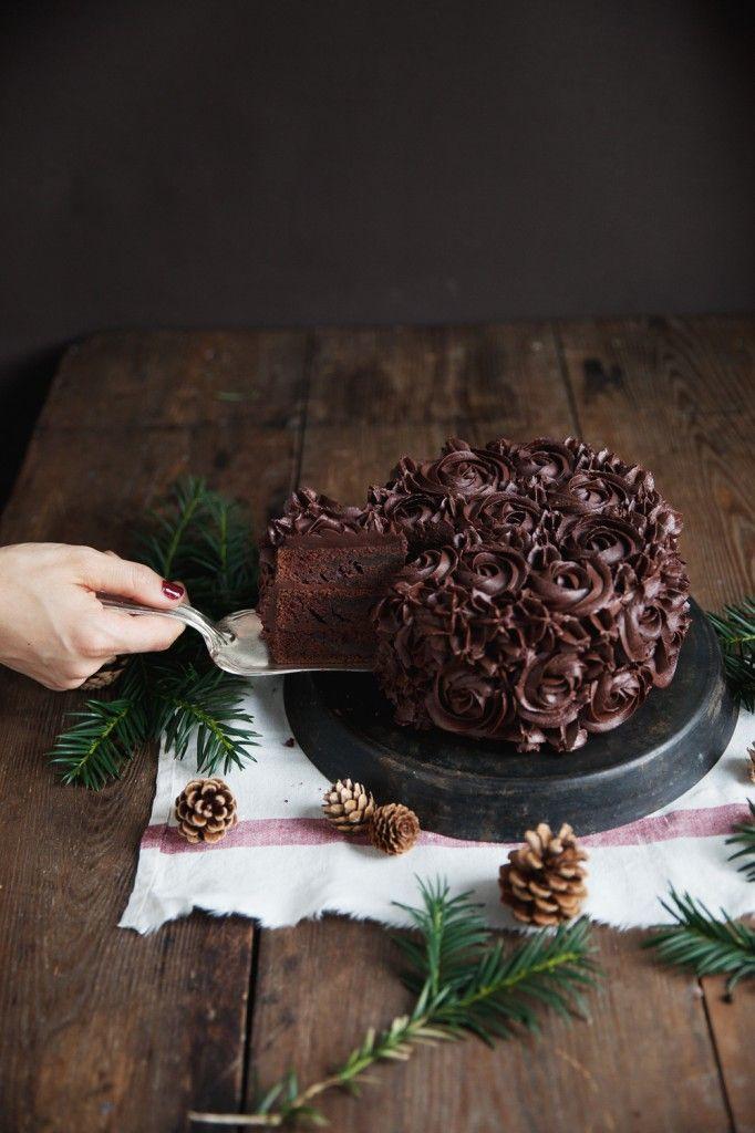 recipe for a layer espresso chocolate cake with chocolate cardamon frosting  / Rezept für eine Espresso Schokoladen Torte mit Schokoladen - Kardamon Frosting / photos: http://www.amandaberens.de