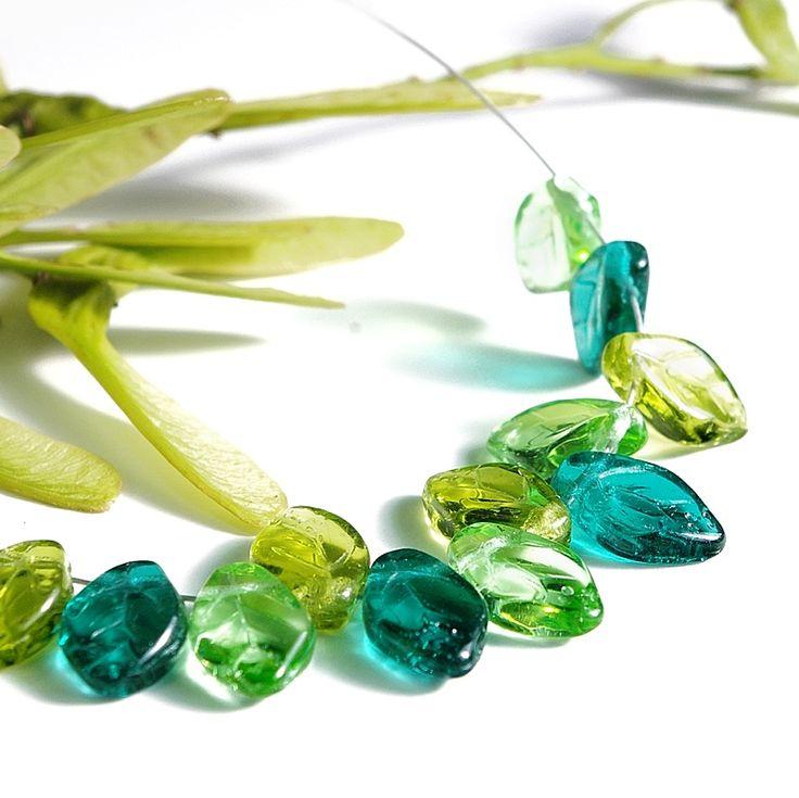 Jewery supplies -Leaves Glass Czech Beads - Shades of Green 7х12 mm -White Giraffe