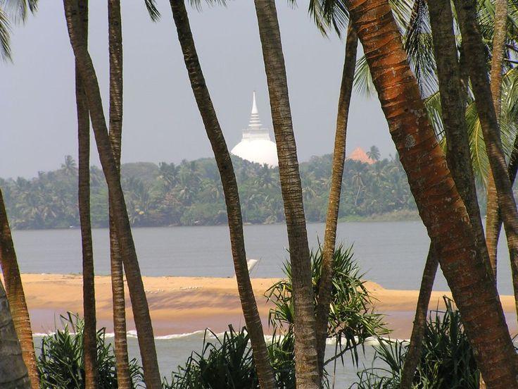 Kalutara river stupa #SriLanka