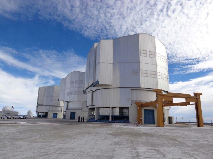 UT1, UT2, UT3, VLT Observatorio Cerro Paranal, Chile.