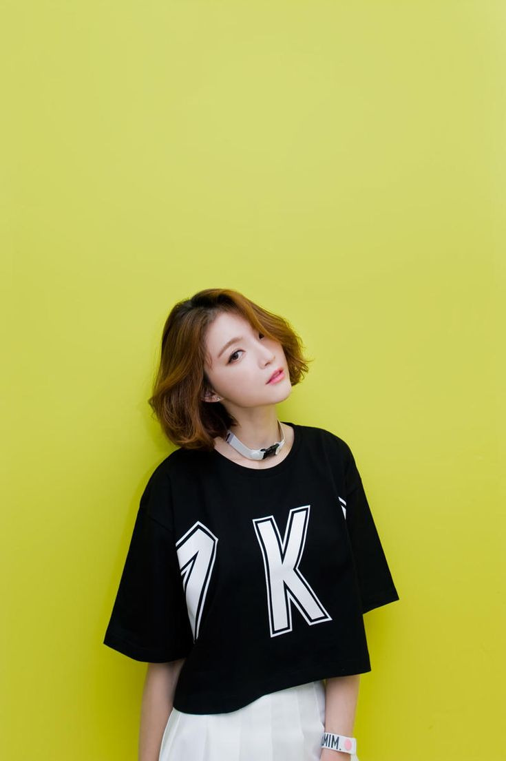 K letter cropped tee from Kakuu Basic. Saved to Kakuu Basic Tees & Tops. Shop more products from Kakuu Basic on Wanelo.