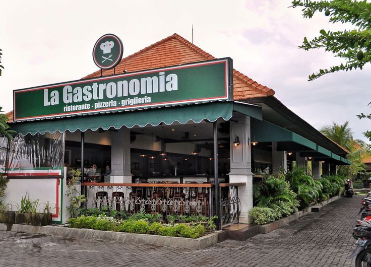 We recently visit a new restaurant at jalan Batu Belig, it's an Italian restaurant called La Gastronomia. What so great about La Gastronomia? Well, they made their sauces and pastas from scratch, all fresh with authentic Italian recipes.