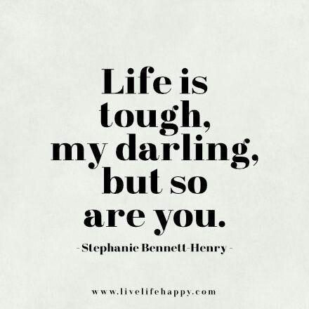 Tu eres fuerte, Sigue caminando, la vida es una coleccion de experiencias .