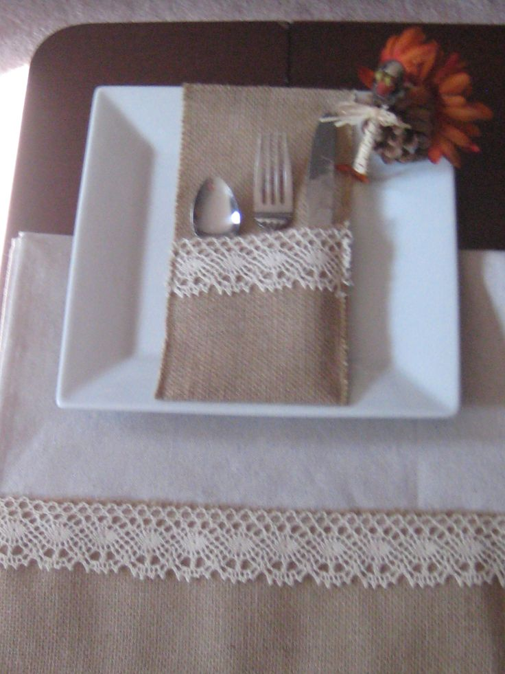 CutleryPocket and Table Runner Fall Wedding