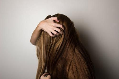 تفسير حلم الشعر الطويل للمريض سيدات مصر Thick Hair Styles Essential Oils For Hair Hair Treatment