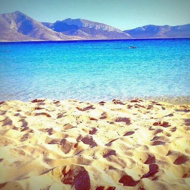 This magical place called italida beach , in Koufonisia island (Κουφονήσια) ☀️. Exotic Sea , blue Sky & Sand with footsteps  !