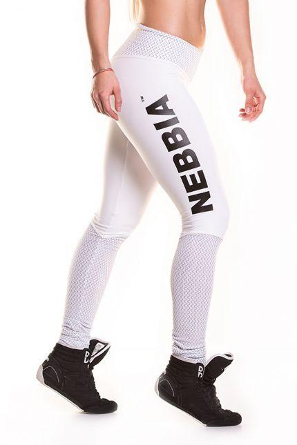 """NEBBIA MODEL N280 WHITE Legginsy z najnowszej kolekcji NEBBIA. Specjalne szycie podkreślające efekt tzw. """"brazylijskiej pupy'', nie farbują, nie prześwitują. Na łydkach uszyta jest imitacja długich, białych piłkarskich skarpet z materiału carbon. Pas z wysokim stanem, idący ku dołowi zwęża optycznie talię. Na prawym udzie umieszczone logo NEBBIA."""