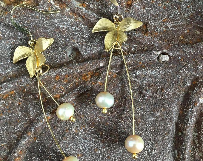 Long Dangle Earring,June Birthday,Grad Earring,Prom Earring,Vintage Style Jewelry,Pearl Earring,Wedding Earring,Bride Jewelry,Mother Earring