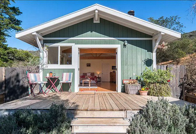 Vacation Home Rentals Architectural Gems Boutiquehomes Cabins And Cottages Beach Cottage Decor Vacation Home Rentals