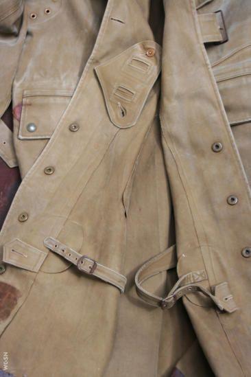 WW1 British army dispatch rider's coat, details