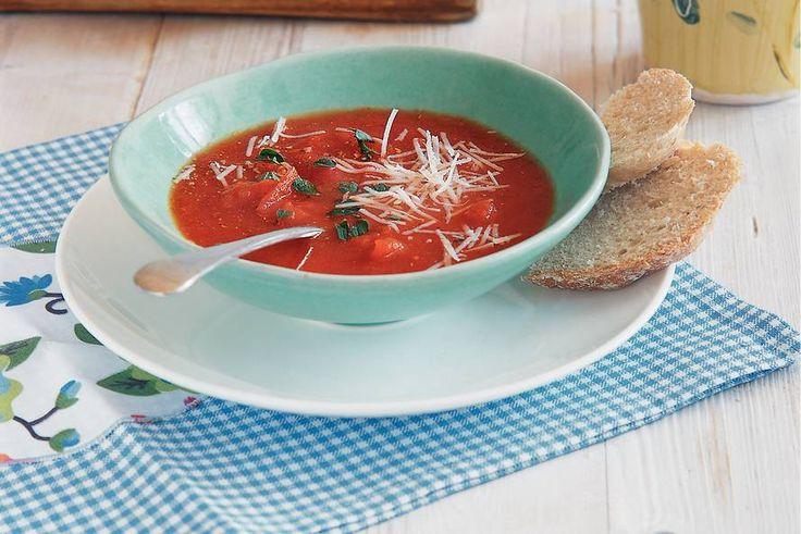 Kijk wat een lekker recept ik heb gevonden op Allerhande! Basisrecept verse tomatensoep