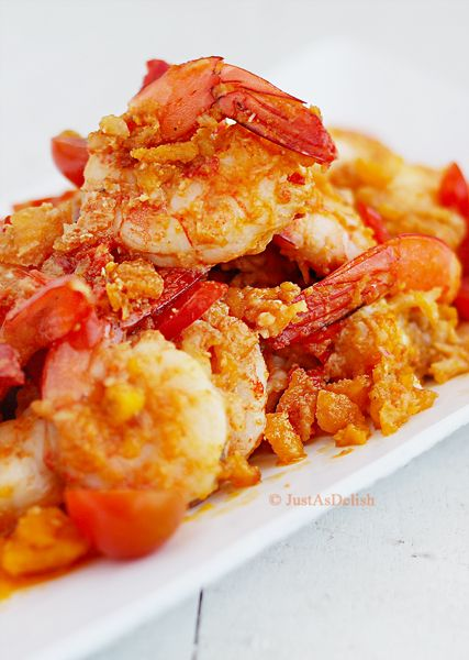 Salted Egg Prawns recipe. This is one heck of a cholesterol-laden dish! x_X