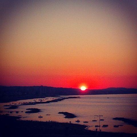 Stasera vi salutiamo con questa bellissima immagine del tramonto visto da Riccione!