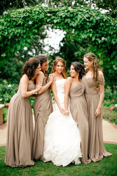 In love with these lovely, brown bridesmaids dresses!!- Maria Com Cha by Luana Soeiro