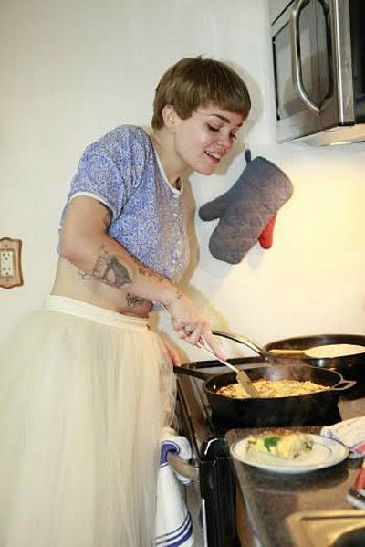 Perfect Pussy's Meredith Graves Is A Rockstar For A New Generation (Cast Iron Skillet Quiche Recipe)