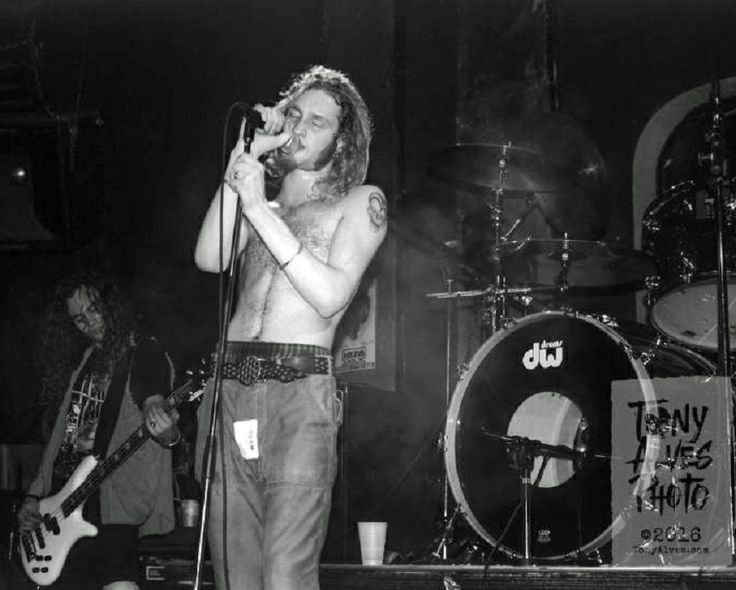 17 Best ideas about Layne Staley Last Photo on Pinterest ...