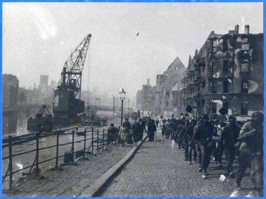 Königsberg (Pr.), Hamannstraße, Pregel, Holzbrücke, Zerstörungen