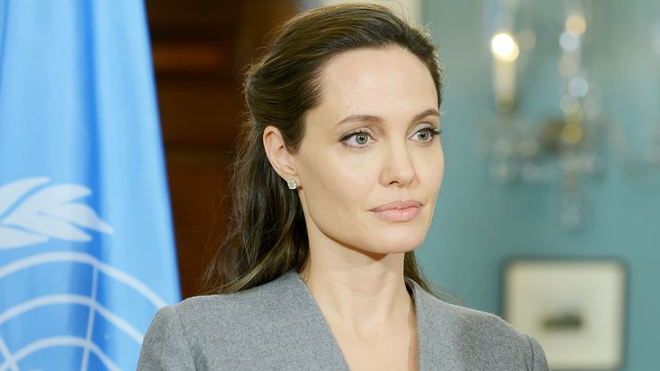 """Angelina Jolie Says Trump's Refugee Policy """"Does Not Make Us Safer"""" #Entertainment_ #iNewsPhoto"""