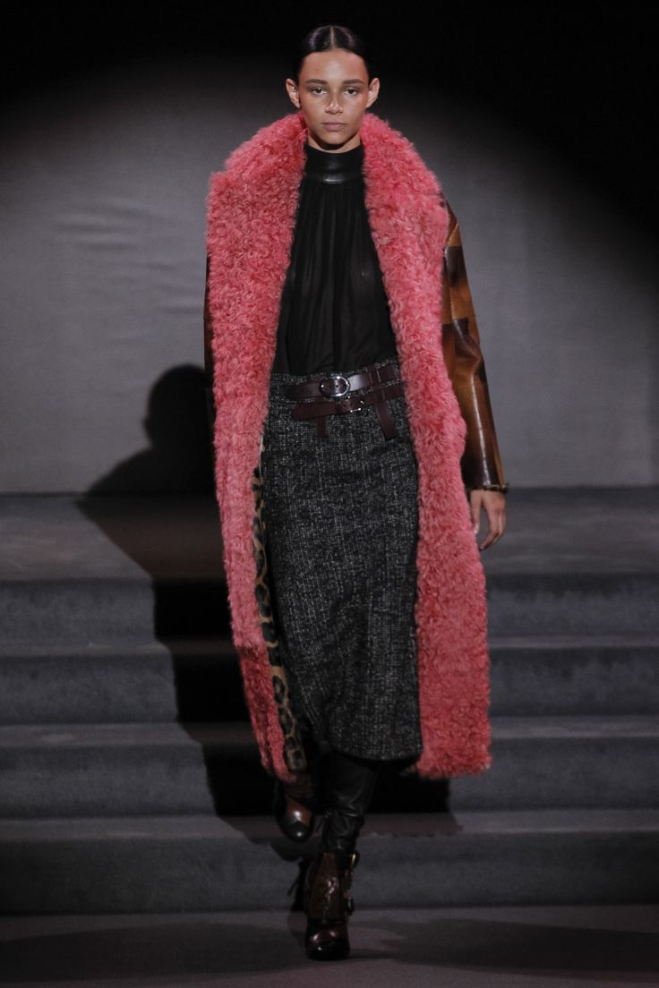 Tom Ford | Ready-to-Wear - Autumn 2016 | Look 1 on Binx Walton https://www.pinterest.com/FashionZigfridF/fashion-daily-moods-of-style-zigfridfatal-offouts/ #ZigfridFatal